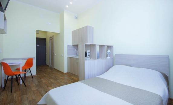 Room 1 _819